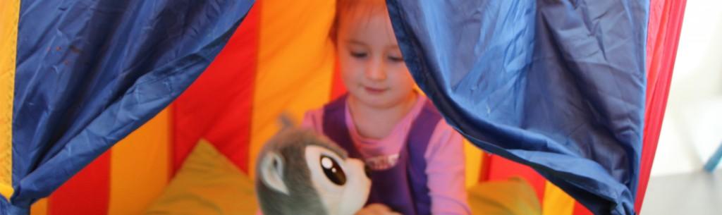 girl_tent_07_15