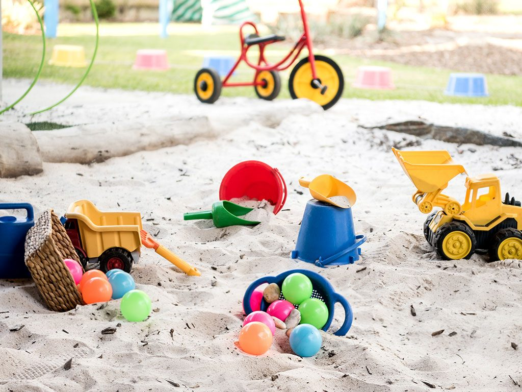 play in the sandpit at meerilinga beechboros early learning program