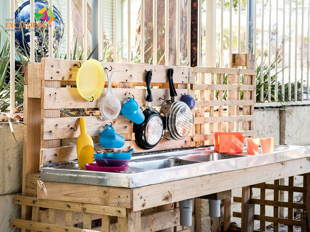 learning through play in the meerilinga woodvale mud kitchen in the early learning program