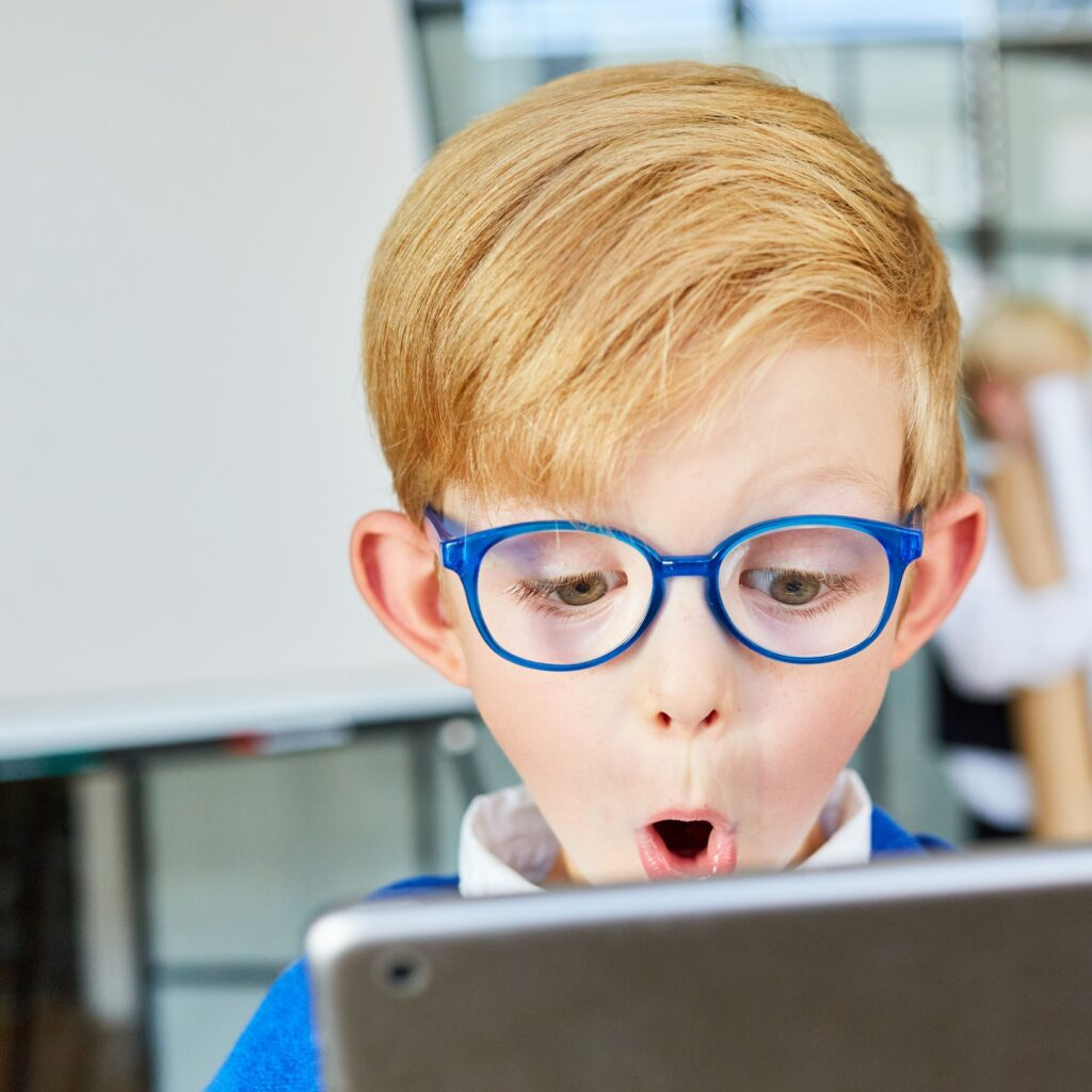kids cyber safety, kids screentime, how much screentime, perth childcare, parenting course perth